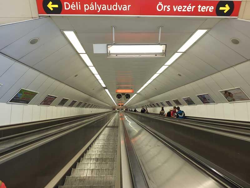 Hungal | M2 metró